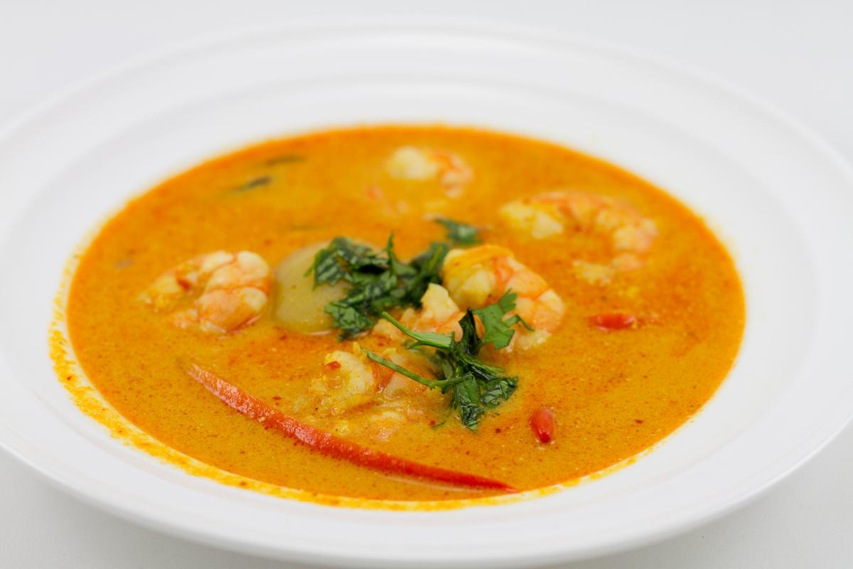 Jak zrobić Tom Yum Kung - tajską zupę ostro-kwaśną z krewetkami?